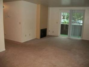 December special! $200 OFF rent Lrg 2BR
